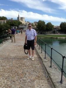 Sur le pont D'Avignon.... wait...he's not dancing!